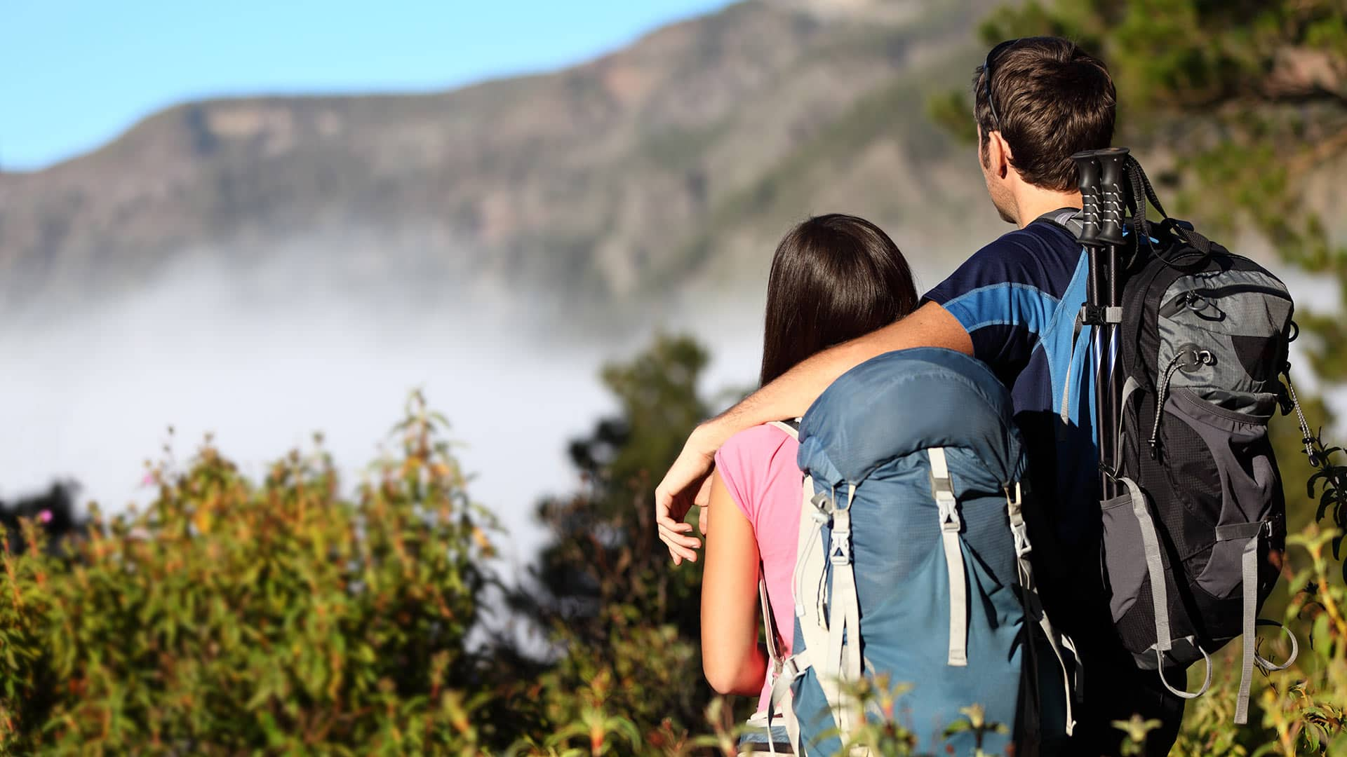 coppia-ammira-montagne